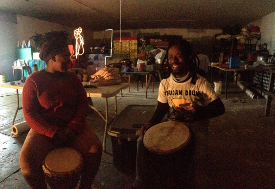 Rehearsing at the Erf 81 in community with artists on the land